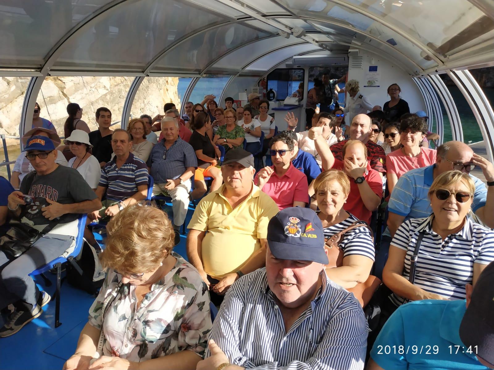 Embarcación con los tripulantes de Bona Gent