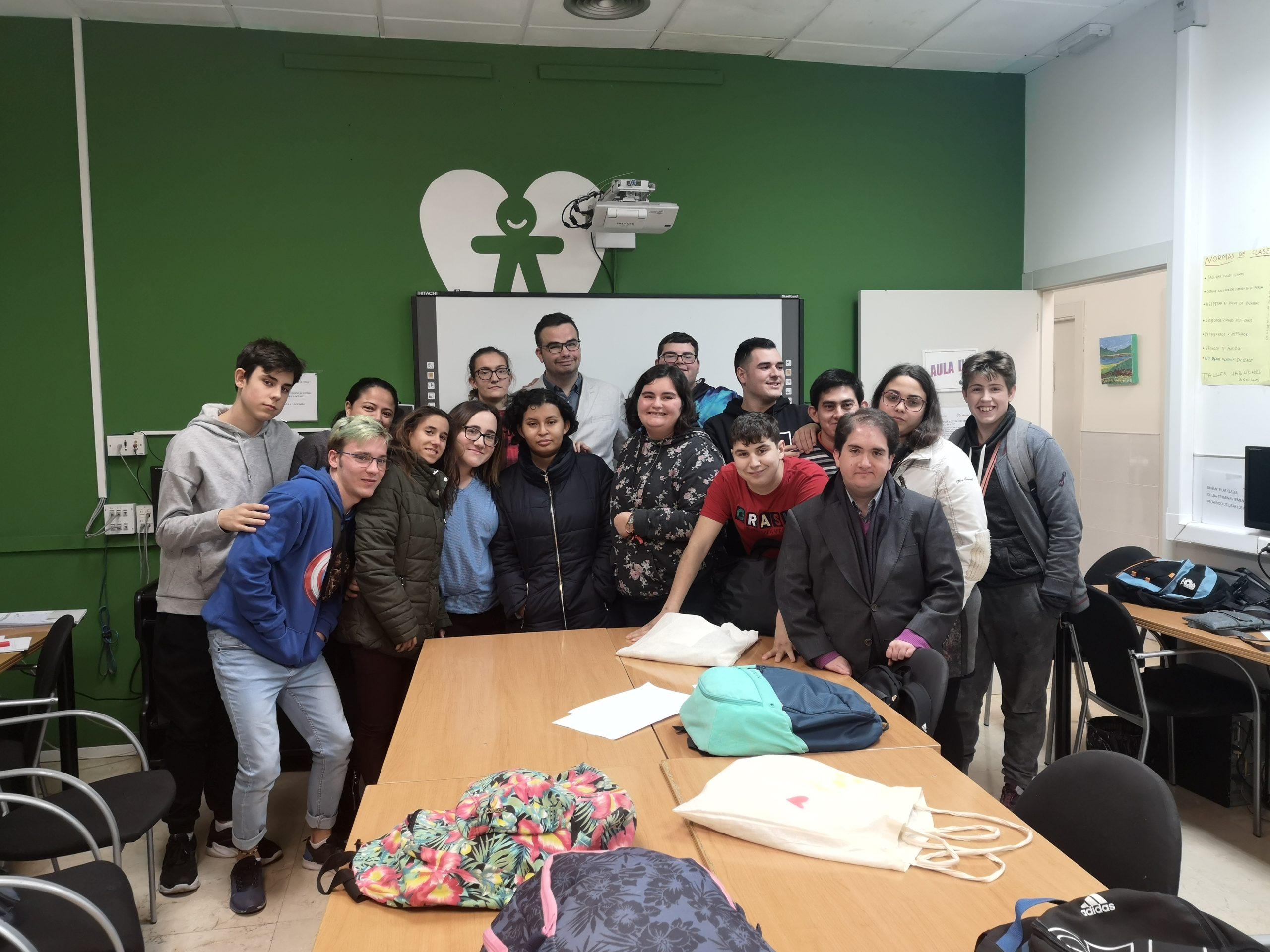 grupo de alumnos de los talleres formativos